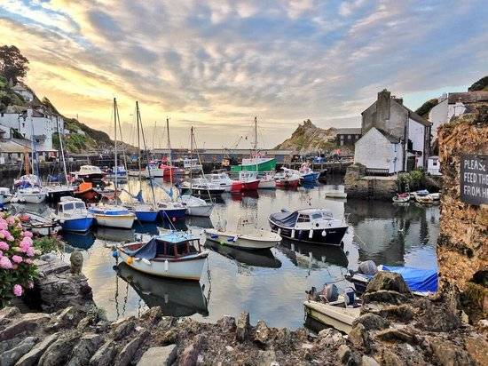 polperro-harbour