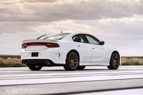 Dodge_Charger_SRT_Hellcat_4