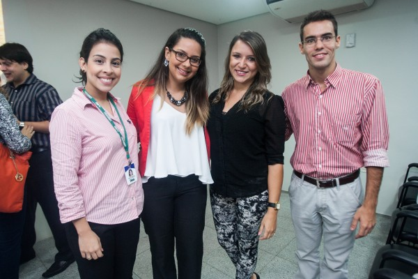 Equipe de marketing e planejamento do Sistema Verdes Mares