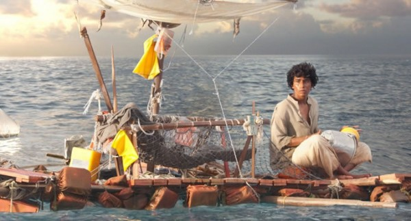 Suraj Sharma como Pi Patel em AS AVENTURAS DE PI