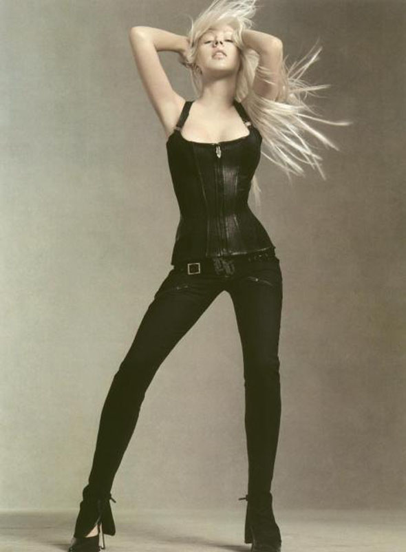christina-aguilera-versace-reklam-preview
