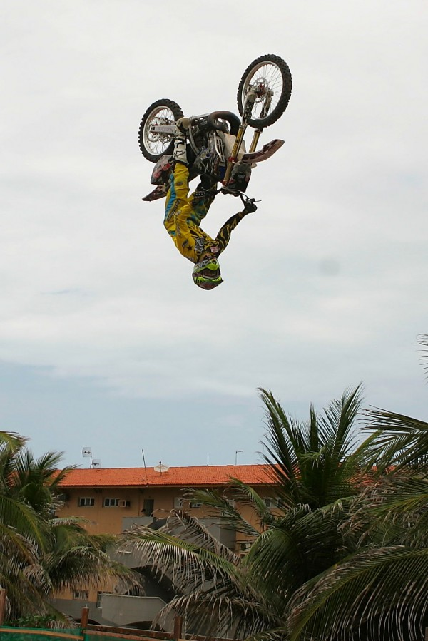 Claudio Rocha-Backflip-Foto-Natinho Rodrigues (4)