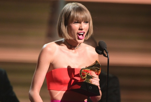 Taylor Swift levou o prêmio de Álbum do Ano no Grammy 2016 Foto: Robyn Beck/AFP