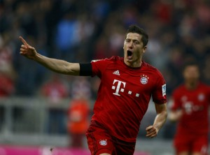 No intervalo de nove minutos, Lewandowski marcou cinco gols.
